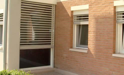Quartiere Villa Magentino Milano - Cambio Rullo Tapparella anche Motorizzata a Milano e Provincia
